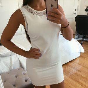 WHITE CLASSY MINI DRESS XS